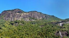 Schöner Panoramablick der Berge auf dem Weg zu Adam-` s P Lizenzfreie Stockfotografie