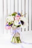 Schöner, Pastellfrühlingsblumenstrauß Stockfoto