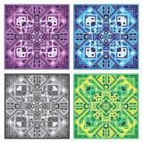 Schöner quadratischer dekorativer Fliesenhintergrund in den verschiedenen Farben Quadratische geometrische Mandala Stockbilder