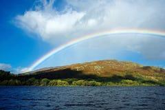 Schöner Regenbogen!! stockfotos