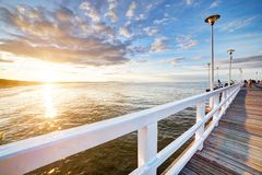Schöner Retro- Pier bei Sonnenuntergang Am 26 Lizenzfreie Stockfotografie