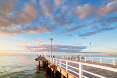 Schöner Retro- Pier bei Sonnenuntergang Am 26 Lizenzfreies Stockbild