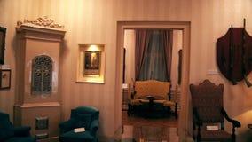 Schöner Retro- stilvoller alter Raum vom 20. Jahrhundert stock footage