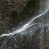 Schöner ruhiger langer Belichtungswasserfall-Detail Intimate landet stockbilder
