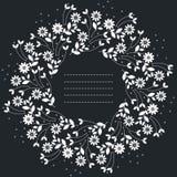 Schöner runder Rahmen mit Kamillenblumen und -blättern lizenzfreie abbildung
