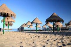 Schöner sandiger Doppelpunkt Playa Des Puerto in Adeje auf Teneriffa Stockbilder