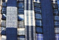 Schöner Schal für Verkauf lizenzfreie stockfotografie