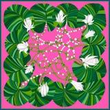 Schöner Schal mit tropischen Blumen und Blättern Stockfotos