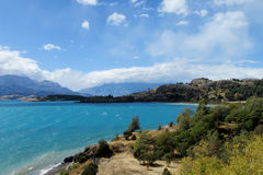 Schöner See des blauen Wassers in Rio Tranquilo, Chile Lizenzfreies Stockfoto