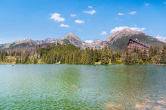 Schöner See Strbske Pleso in hohem Tatras von Slowakei Lizenzfreie Stockbilder