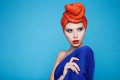 Schöner sexy Frauenmake-upmanikürebadekurort-Schönheitssalon stockbild