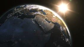 Schöner Sonnenaufgang über der Erde lizenzfreie abbildung