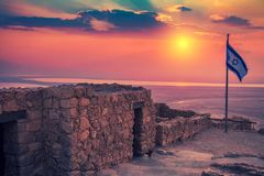 Schöner Sonnenaufgang über Masada-Festung stockbild