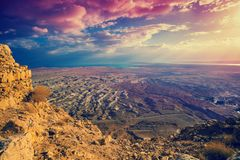 Schöner Sonnenaufgang über Masada-Festung lizenzfreies stockbild
