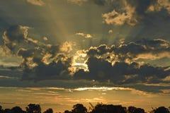 Schöner Sonnenaufgang Stockbilder