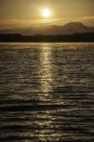 schöner Sonnenaufgang auf dem See Lizenzfreie Stockfotografie