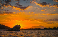Schöner Sonnenaufgang bei Sithonia, Griechenland Stockfotos