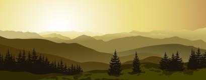 Schöner Sonnenaufgang in den Abendbergen Lizenzfreies Stockfoto