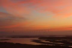 Schöner Sonnenaufgang im niederländischen Schuss von oben genanntem mit einem Brummen Lizenzfreie Stockfotos