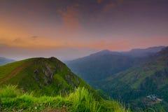 Schöner Sonnenaufgang an kleiner Adams-Spitze in Ella, Sri Lanka Lizenzfreie Stockbilder