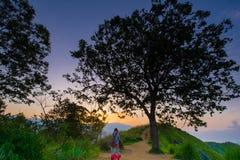 Schöner Sonnenaufgang an kleiner Adams-Spitze in Ella, Sri Lanka Lizenzfreies Stockfoto