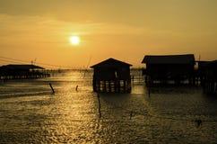 Schöner Sonnenuntergang über dem Meer Lizenzfreie Stockfotografie
