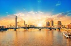 Schöner Sonnenuntergang über der Stadt von London stockfotos