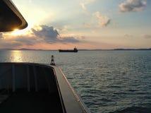 Schöner Sonnenuntergang auf dem Meer Lizenzfreies Stockfoto