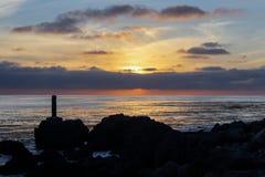 Schöner Sonnenuntergang bei Palos Verdes, Kalifornien lizenzfreie stockfotografie