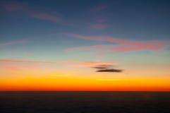 Schöner Sonnenuntergang in den Wolken Lizenzfreies Stockfoto