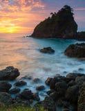 Schöner Sonnenuntergang der großen Koralle Lizenzfreie Stockfotos