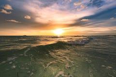 Schöner Sonnenuntergang der Schatz-Insel stockbilder