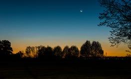 Schöner Sonnenuntergang an einem Landschaftsbauernhof. Argentinien, Südamerika lizenzfreie stockbilder