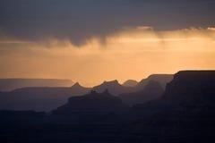 Schöner Sonnenuntergang am Wüstenstandpunkt in der großen Schlucht Stockfotografie