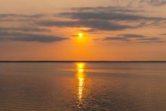 Schöner Sonnenuntergangsonnenaufgang Stockfoto