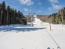 Schöner sonniger Tag auf Steigungen des Schneeschuhberges in den cass West Lizenzfreies Stockbild