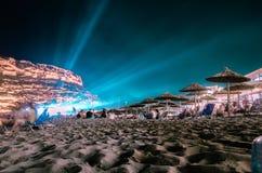 Schöner Strand und Klippe Matala nachts, Stockfoto