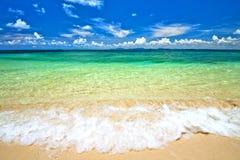Schöner Strand und Meer Lizenzfreies Stockbild
