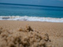 Schöner Strandsand und -meer mit Kopienraum für Hintergrund - BO lizenzfreies stockfoto
