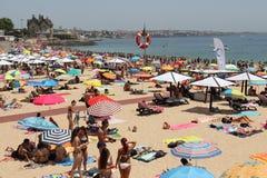 Schöner Sunny Beach Cascais, Portugal 2016 Stockfotos
