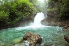 Schöner Wasserfall in Slowenien Lizenzfreie Stockfotos