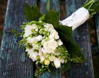Schöner weißer Hochzeitsblumenstrauß Stockfoto