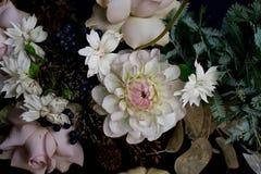 Schöner weißer peones Blumenstraußabschluß oben Stockfoto
