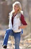 Schöner weiblicher Wanderer - Blondine Stockfotografie