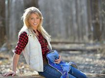 Schöner weiblicher Wanderer - Blondine Stockfotos
