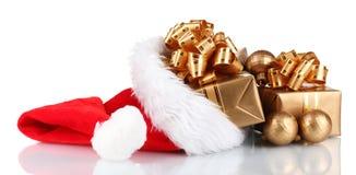 Schöner Weihnachtshut mit Geschenken Lizenzfreies Stockfoto