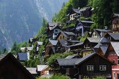 Schönes österreichisches Dorf Hallstatt lizenzfreie stockfotos