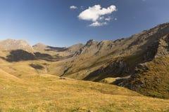 Schönes alpines Tal lizenzfreies stockbild