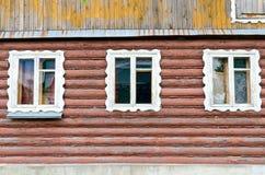 Schönes altes hölzernes Blockhaus Stockfotos