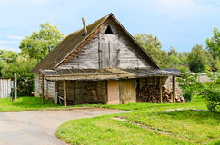 Schönes altes hölzernes Blockhaus Stockbild